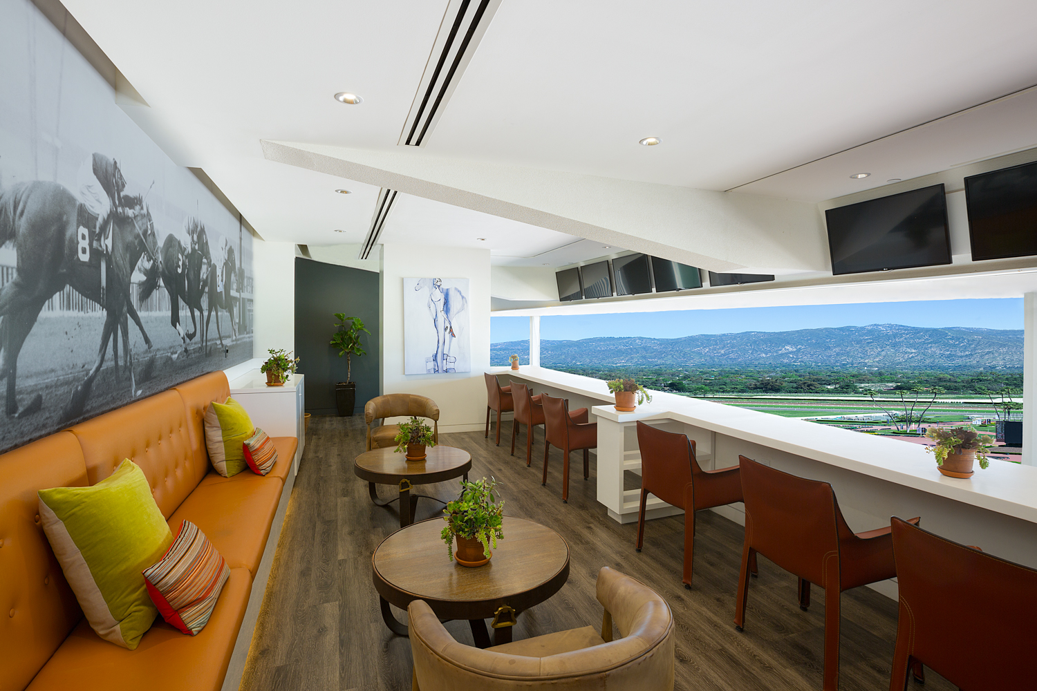 The Suites at Santa Anita Park