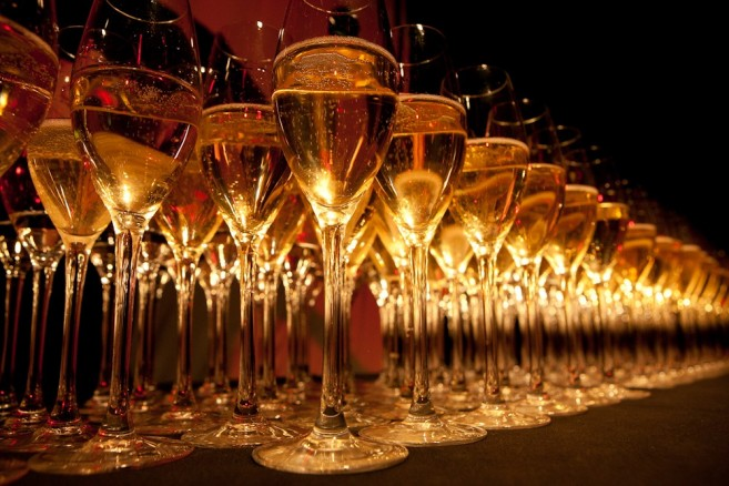glasses-celebrate-celebration-party-wine-bubbly-channel-awards-champagne-glasses-on-angle-2012(1)