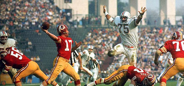 Billy-Kilmer-and-Manny-Fernandez-Super-Bowl-VII-Jan.-14-1973
